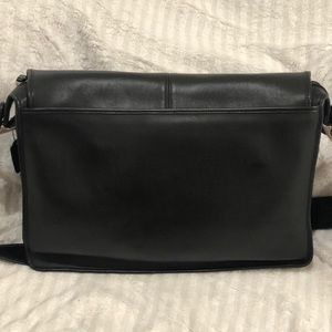 Authentic Coach all leather briefcase!